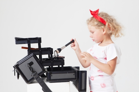 4歳女児の『お化粧遊びしたい!』を叶える安全な子供用化粧品